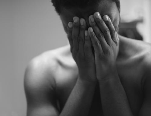 Dansk hjerneforsker advarer om at overdrevet mobilbruk kan føre til posttraumatisk stresslidelse